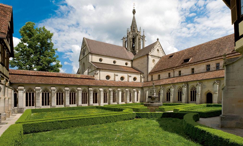Kloster Bebenhausen, Kreuzgarten; Foto: Staatliche Schlösser und Gärten Baden-Württemberg, Christoph Hermann