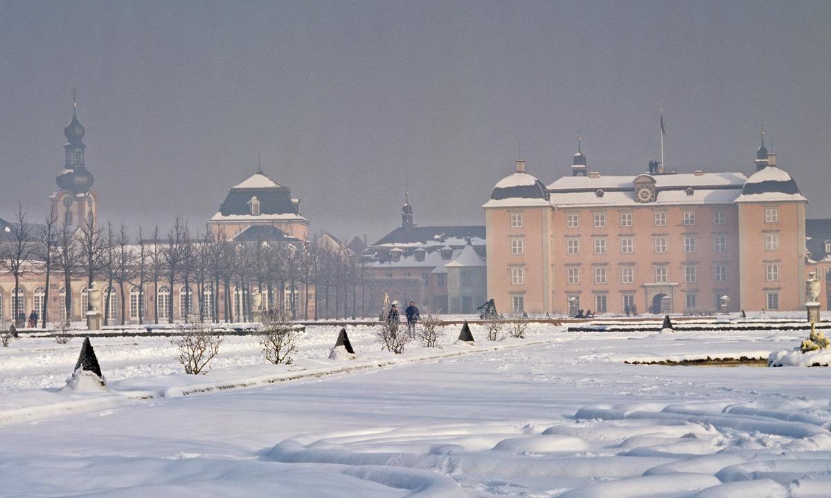 Schloss und Schlossgarten Schwetzingen im Winter; Foto: Staatliche Schlösser und Gärten Baden-Württemberg, Arnim Weischer